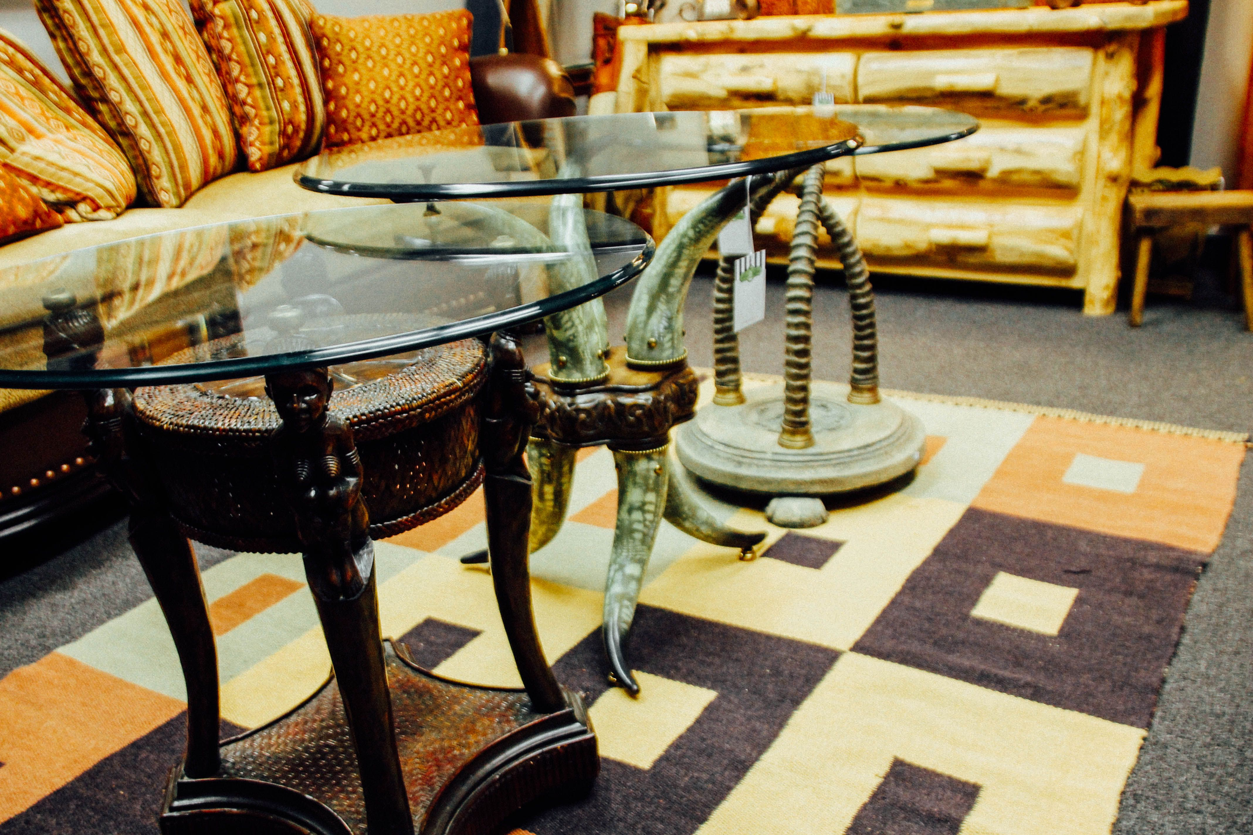 Beautiful Scottsdale Furniture Consignment, Antiques, Artwork And Home Accessories.