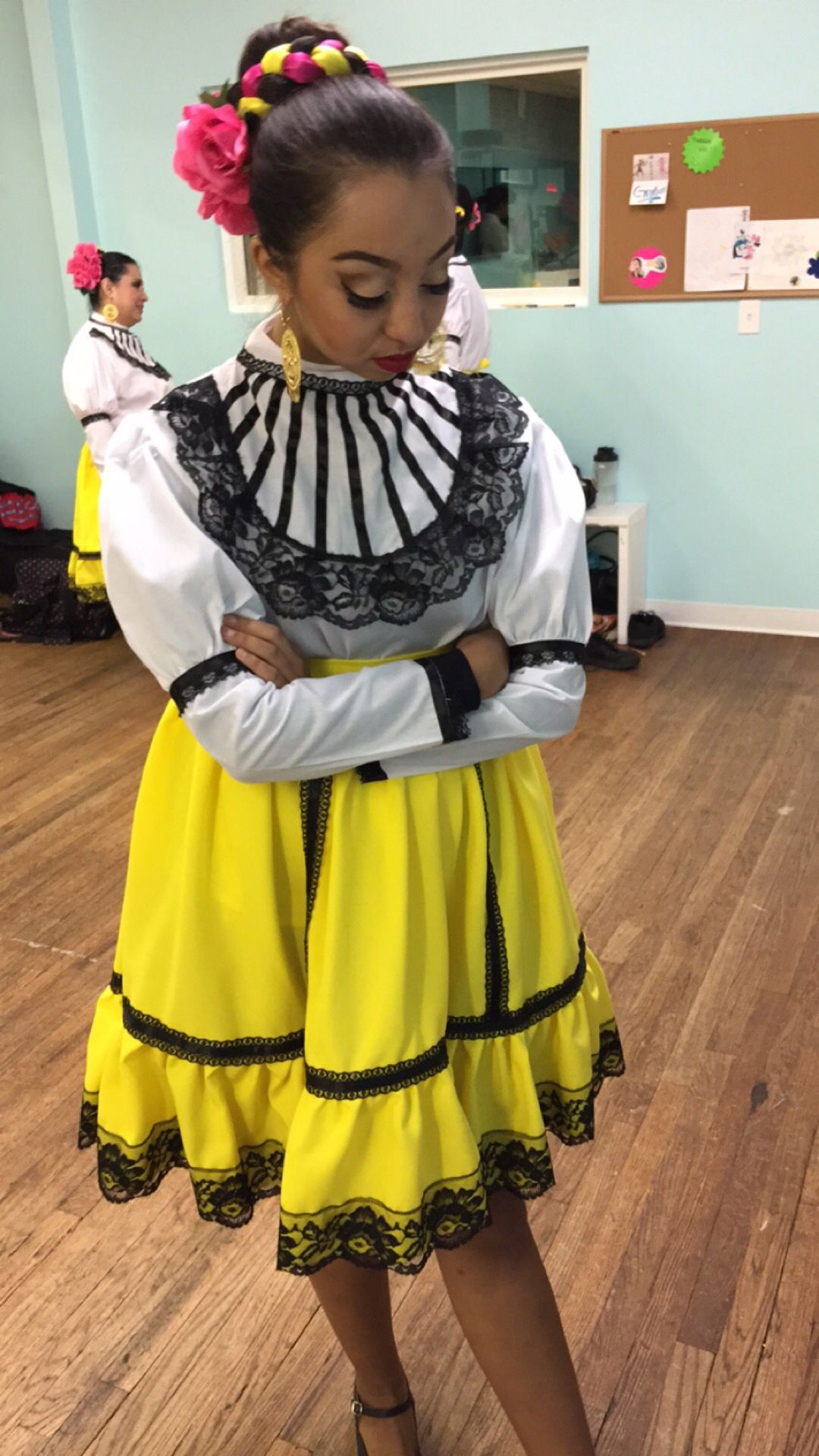 Ballet Folklorico Makeup And Style Pinterest