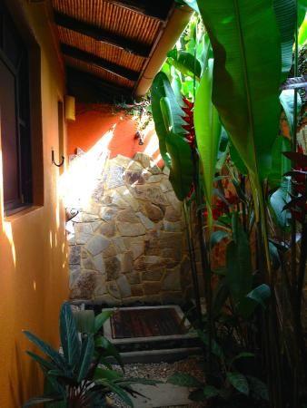 Outdoor shower - Picture of Nayara Hotel, Spa & Gardens, La ...