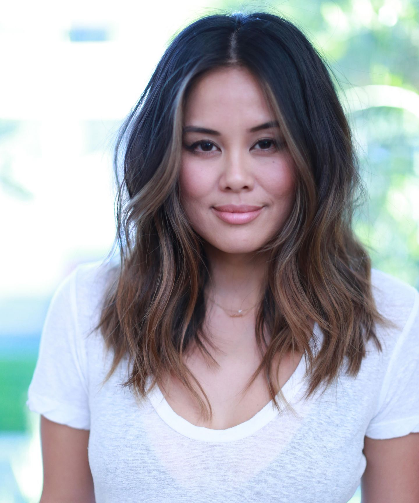 3 Hair Trends That Are Huge In L A Right Now Oval Face Hairstyles Hair Styles Long Wavy Hair