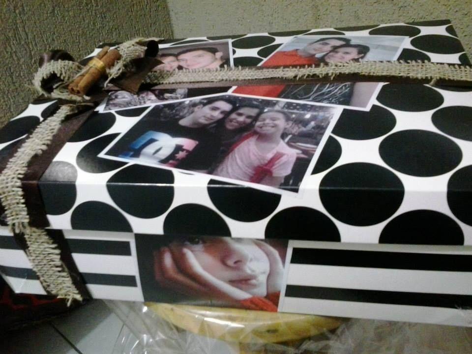 Caixa de bodas de madeira, com fotos dos melhores registros do casal!!