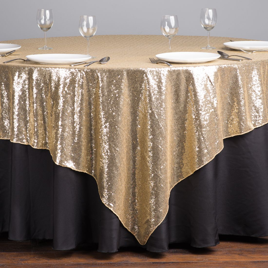 Charming Change The Black To Navy, Keep Gold. Great For The Cake Table.