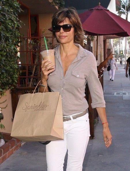 e9d74e3d879 Lisa Rinna Square Sunglasses - Lisa Rinna Sunglasses Looks - StyleBistro