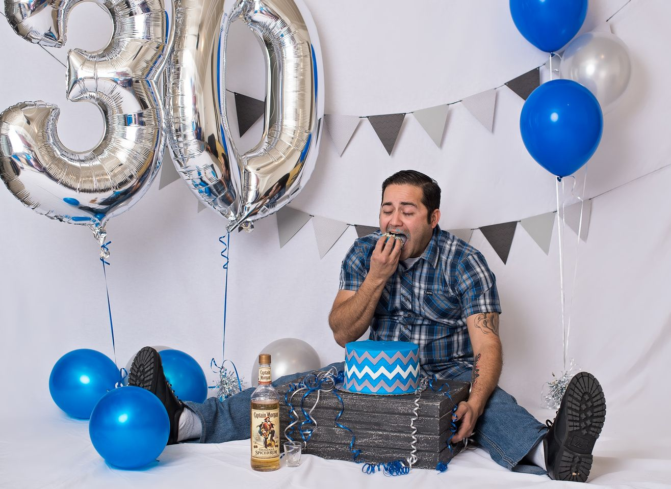 Funny 30 Year Old Male Cake Smash Photography Session With Captain Morgan For His Birthday What A Fun Photoshoot