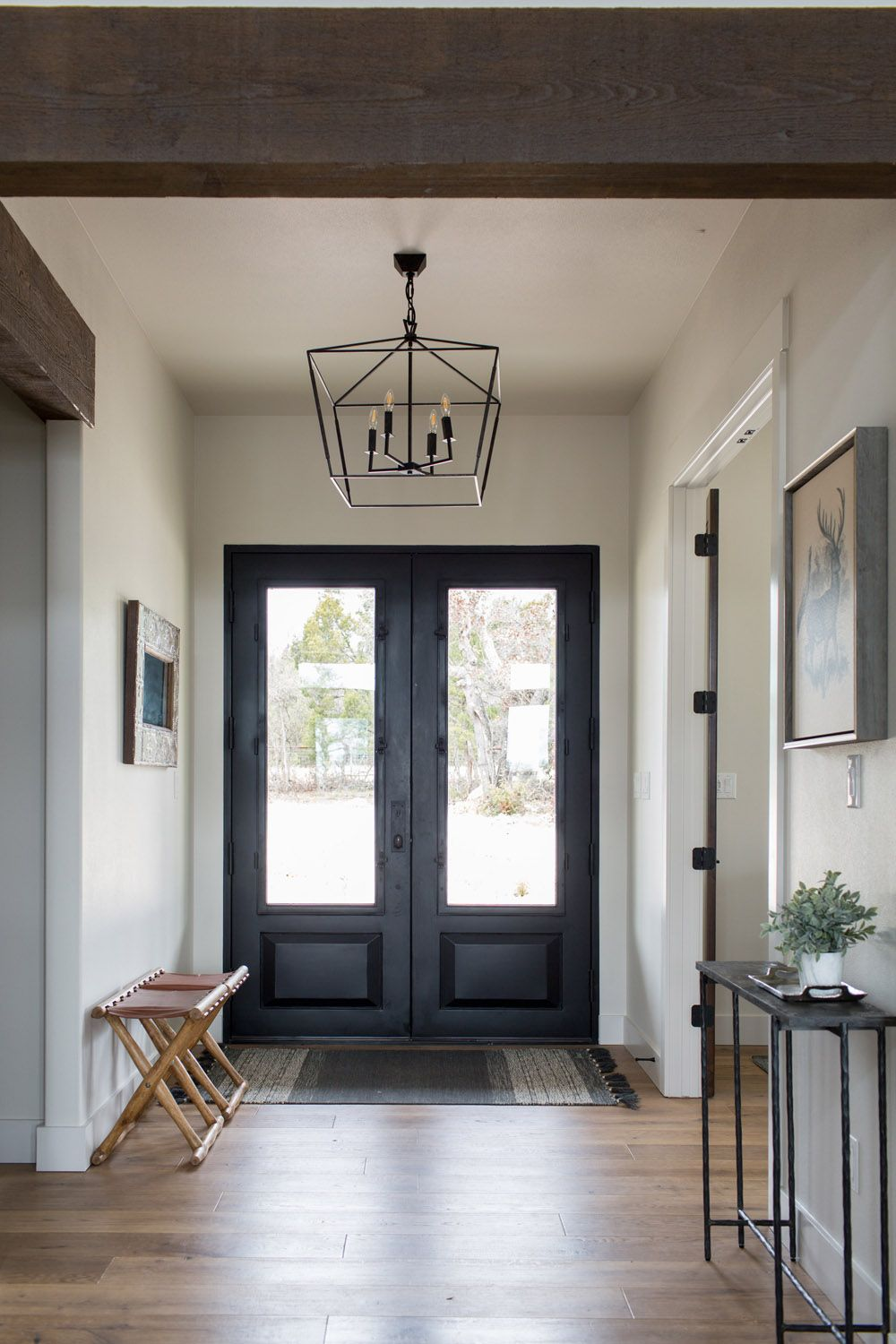 A Texas Modern Home With Room For Friends Family Rue In 2020 Modern Entry House Design Entryway Inspiration