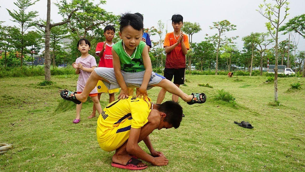 Kids Play Leapfrog Classic Folk Games Kids Play Blind