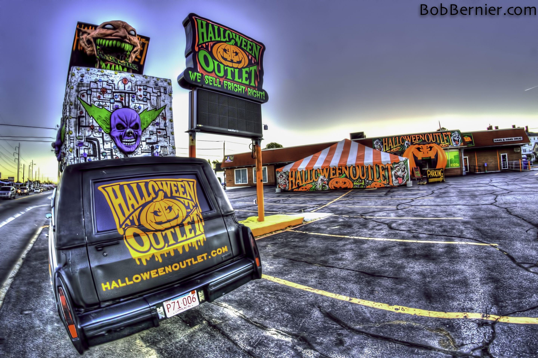 day #361- halloween outlet, worcester massachusetts | bob bernier