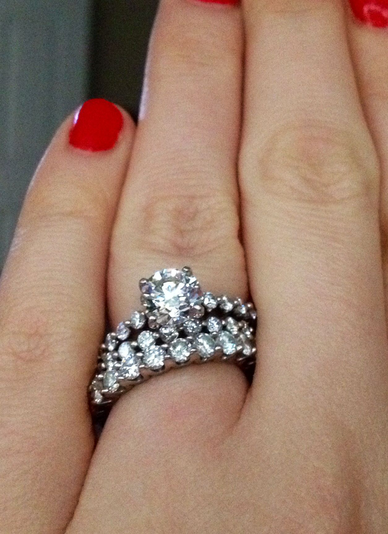 designer shared prong diamond set graduated setting tkfusdt ring engagement rings