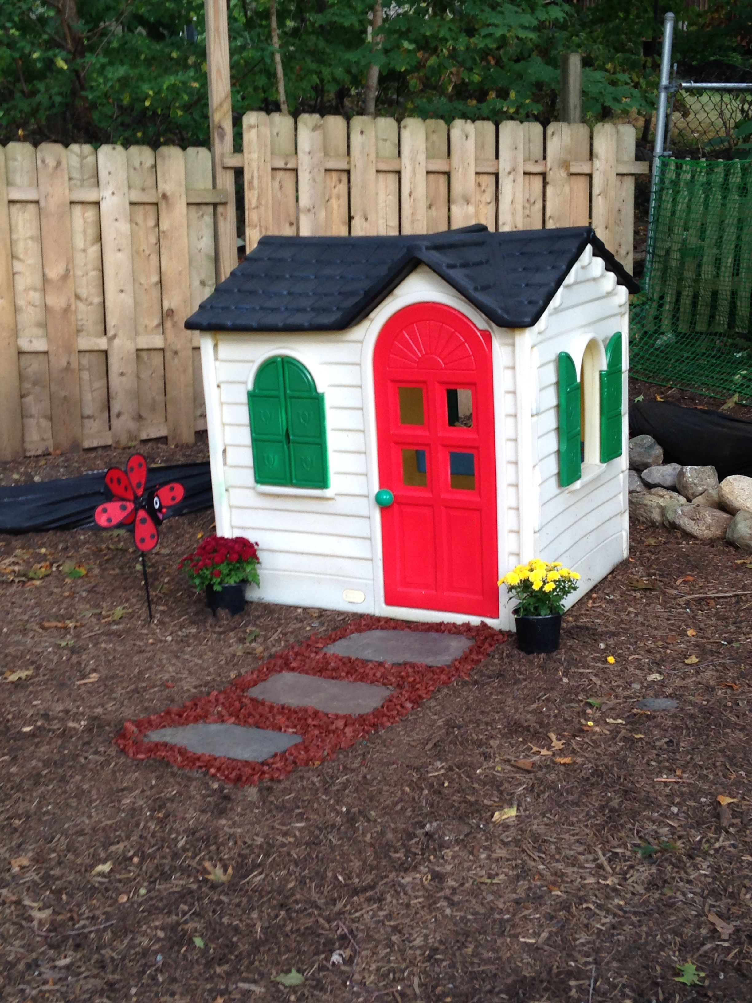 Step 2 Playhouse Makeover This Diy Project Was Rather Easy To Do Turn An Old Worn Out Outdoor Toy Into A Backyard Play Spaces Backyard Playset Play Houses