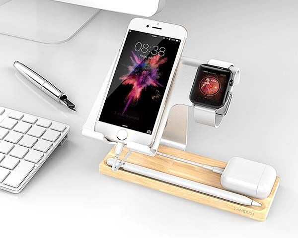 buy online fde36 0129d The Aluminum and Wooden Docking Station Supports Apple Watch ...