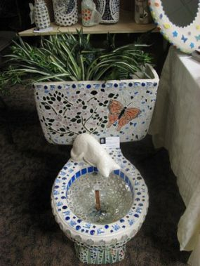 Beautiful Discarded And Broken Treasures Recycled Yard Art Mosaic Crafts Toilet Art