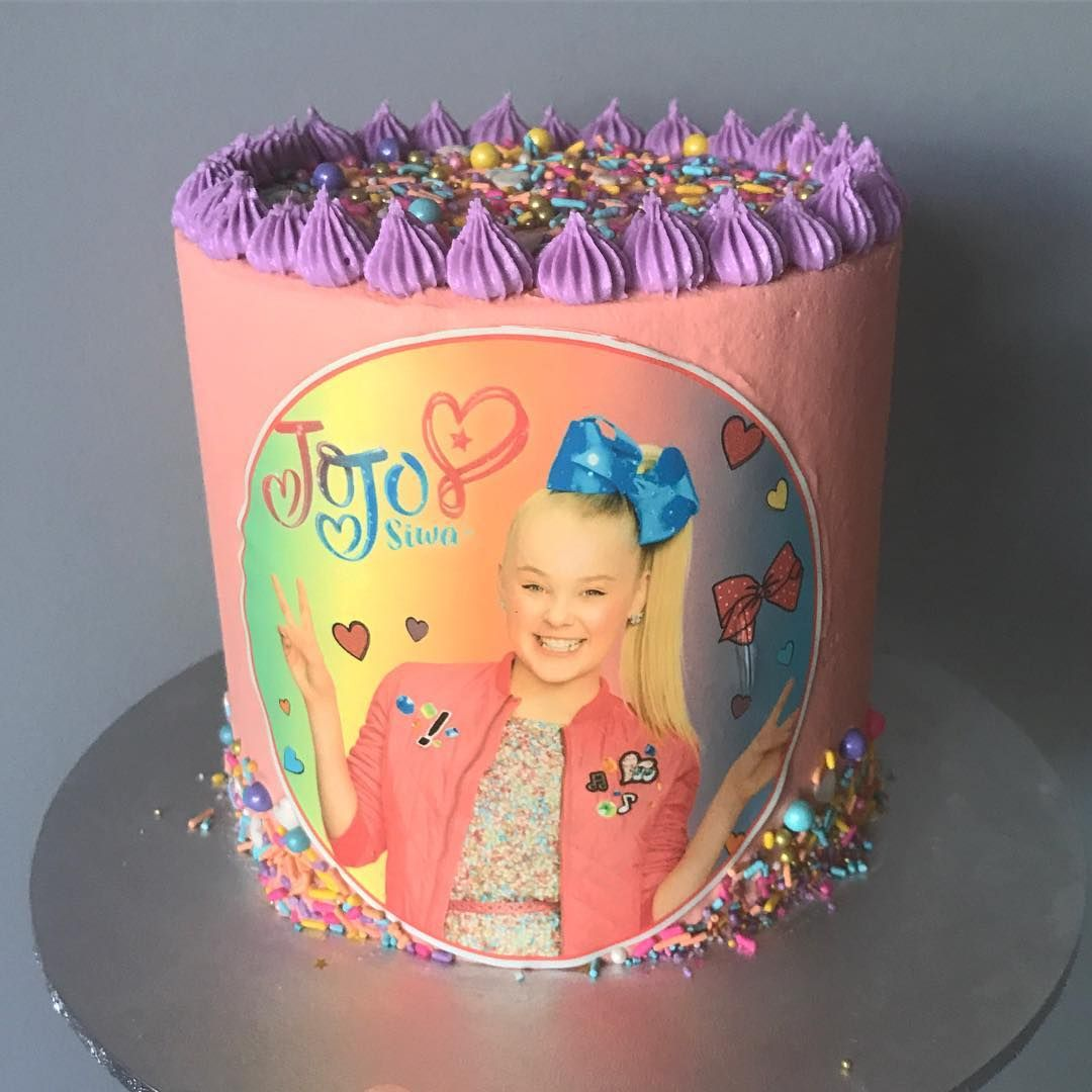 2ce42a08a99 Jojo Siwa birthday party ideas. Jojo Siwa Cake.