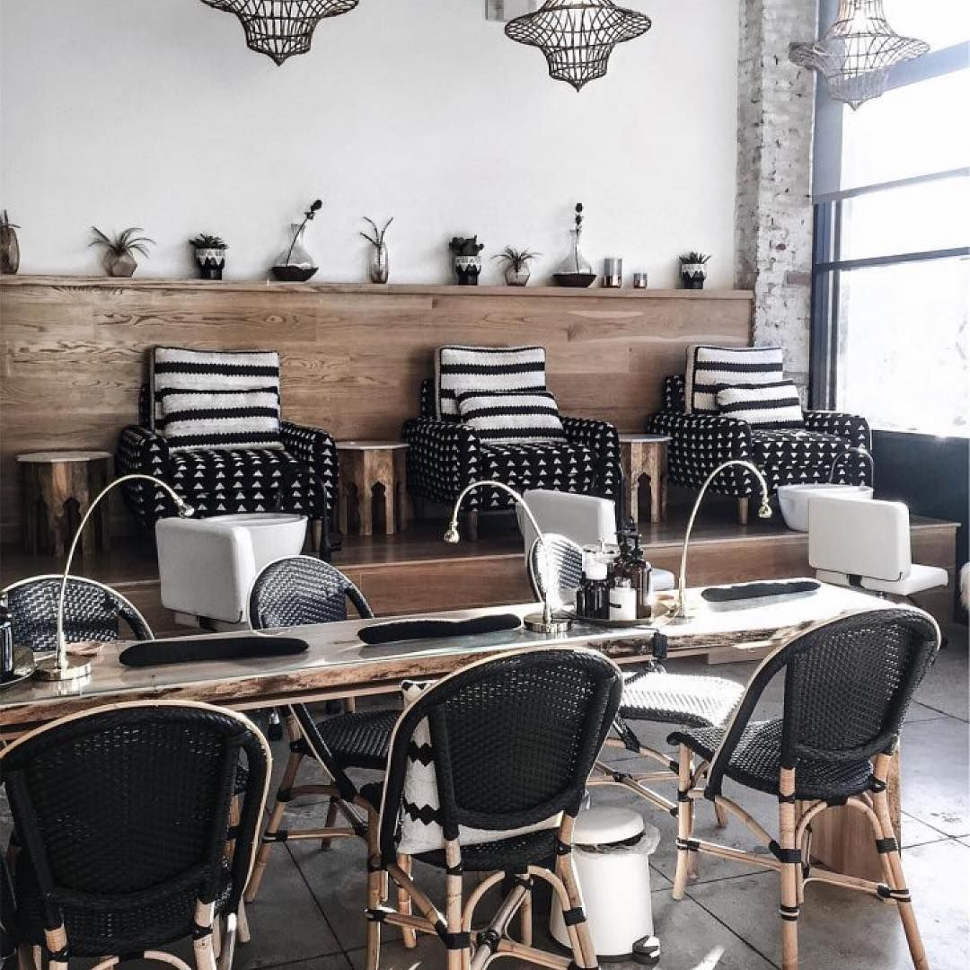 Take A Break From The Madness With This Monochromatic Salon Inspo