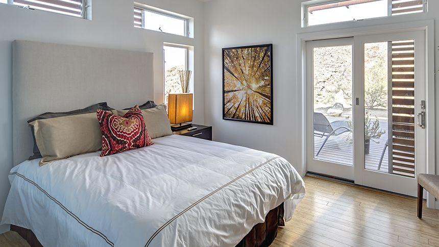 Master Bedroom in the Origin in Joshua Tree, CA #bluhomes ...