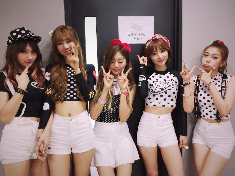 MINX - Siyeon, YooHyeon, JiU, SuA, Dami
