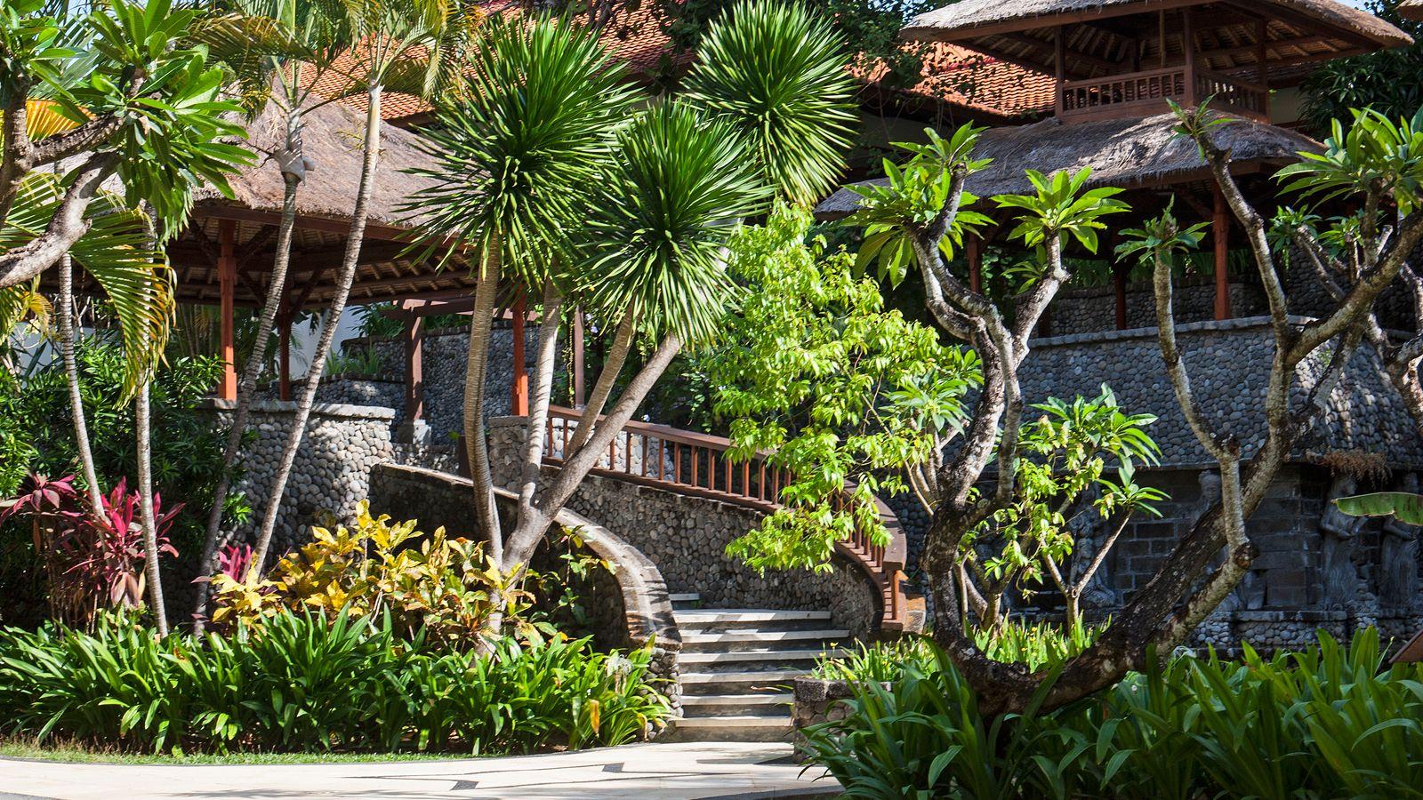 Taman Laguna, The Laguna Resort & Spa, Bali | Traveling <3 ...