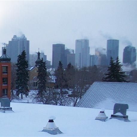 Roof Snow Removal Edmonton 1 780 424 7663 Www Edmontonroofsnowremoval Com A Division Of General Roofing Systems Can Ice Dams Snow Removal Roofing Systems
