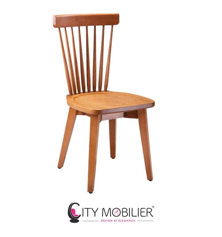 La chaise à barreau Barjavel est entièrement conçue en bois