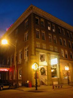 West Virginia Haunted Hotel The Lowe Point Pleasant Wv Low