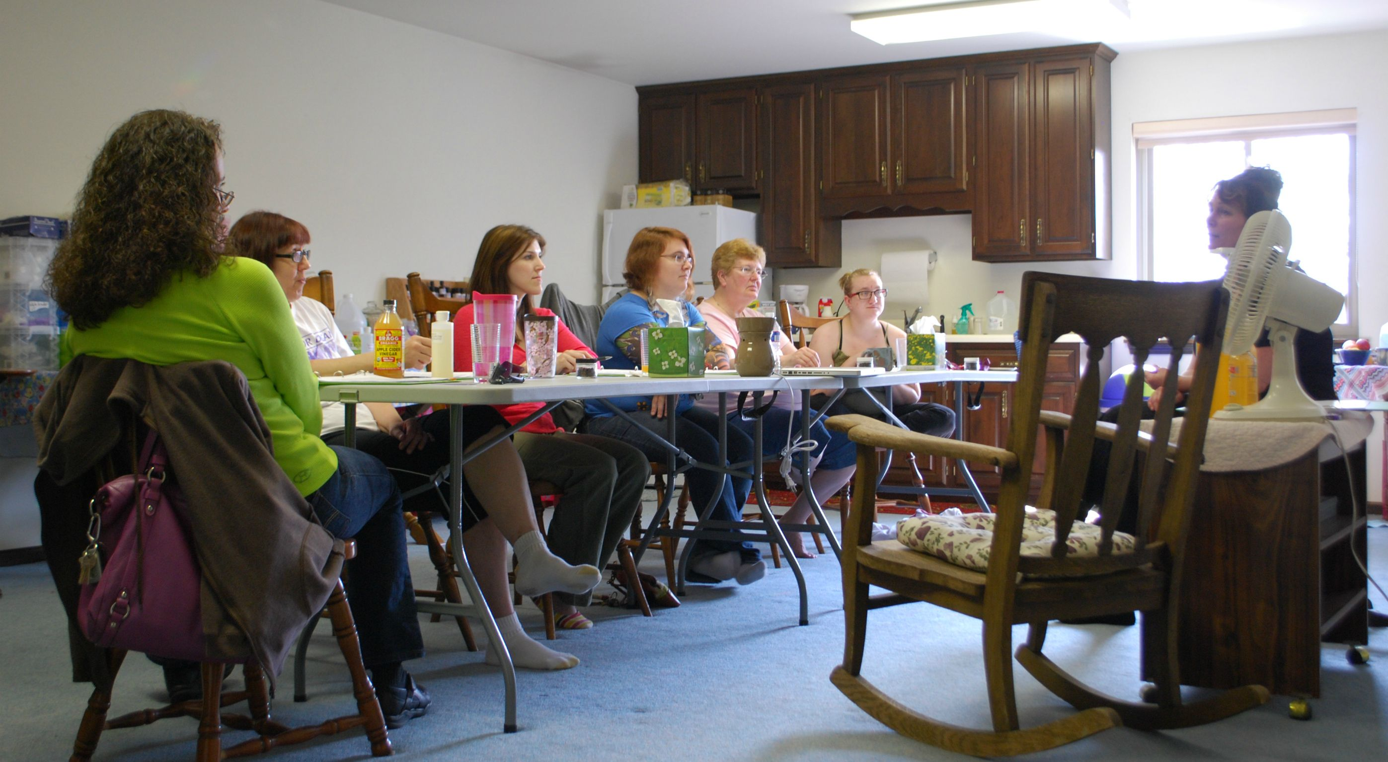 What a great group of ladies in class on March 17th!  http://aromaticwisdominstitute.com/our-classes/green-cleaning-essential-oils