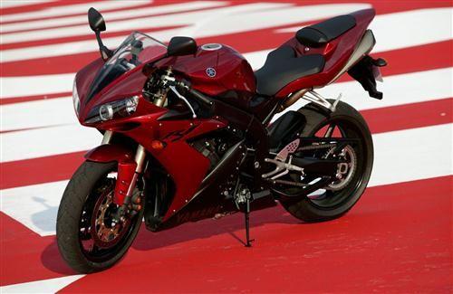 Super Yamaha R1 Red Bike Hd Wallpapers Yamaha R1 Yamaha Bikes