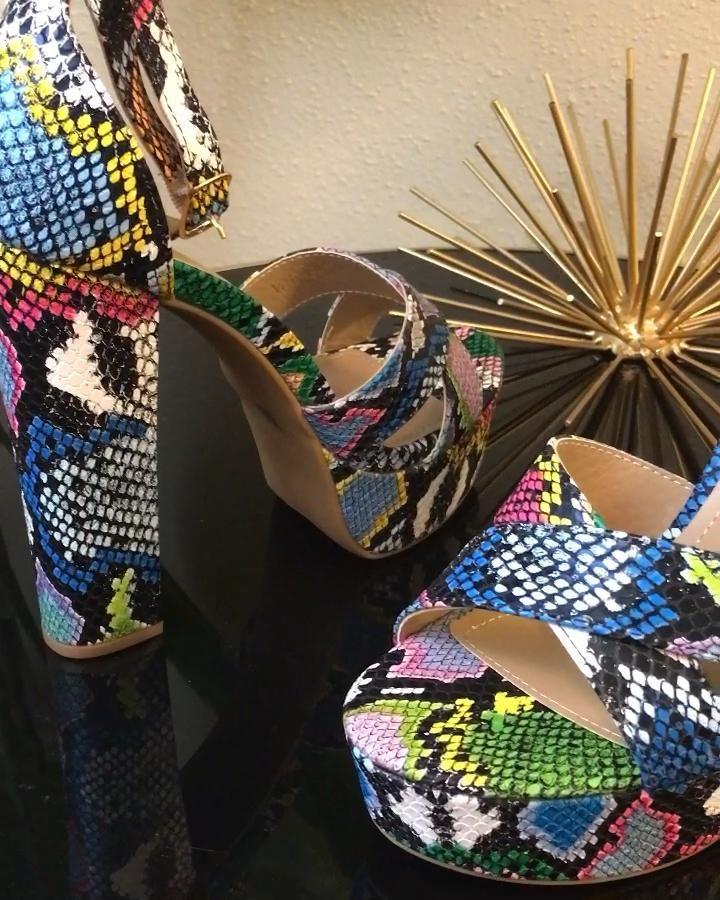 Take a tour of the Multi Snake Print Platform Heel. Available in sizes 5.5-10✨ #shopnow #snakeprintheels #platformheels #heelsaddict #fashion #fashionlover #heels #shoecam #trendyheels #trendsetter #affordablefashion #heelslover #snakeprint