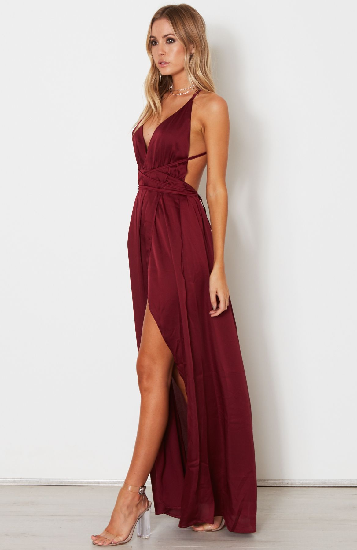 84e248bae4784 Halter Neck Straps Deep V Neck Burgundy Prom Dresses With High Side ...