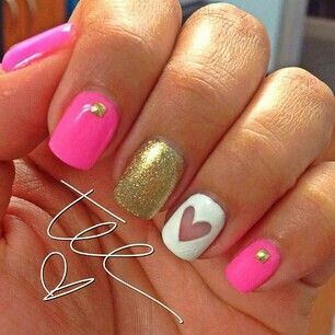 Pretty pink nails! A touch of gold makes it better! :) *Nails*