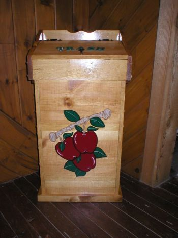 apple trash can | Apple decorations, Apple kitchen decor ...