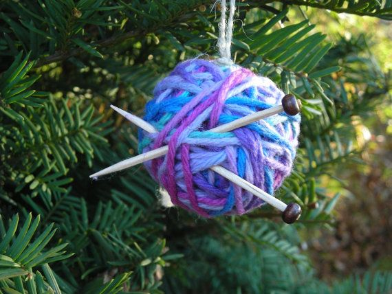Knitting christmas tree ornament yarn ball with