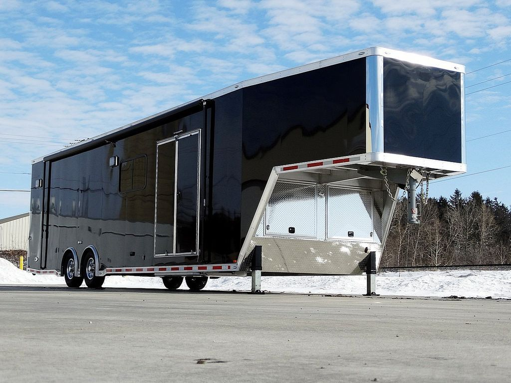 40 Aluminum Custom Race Gooseneck Trailer