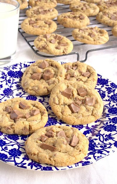 I'd Much Rather Bake Than...: Brown Butter Milk Chocolate Chip Cookies