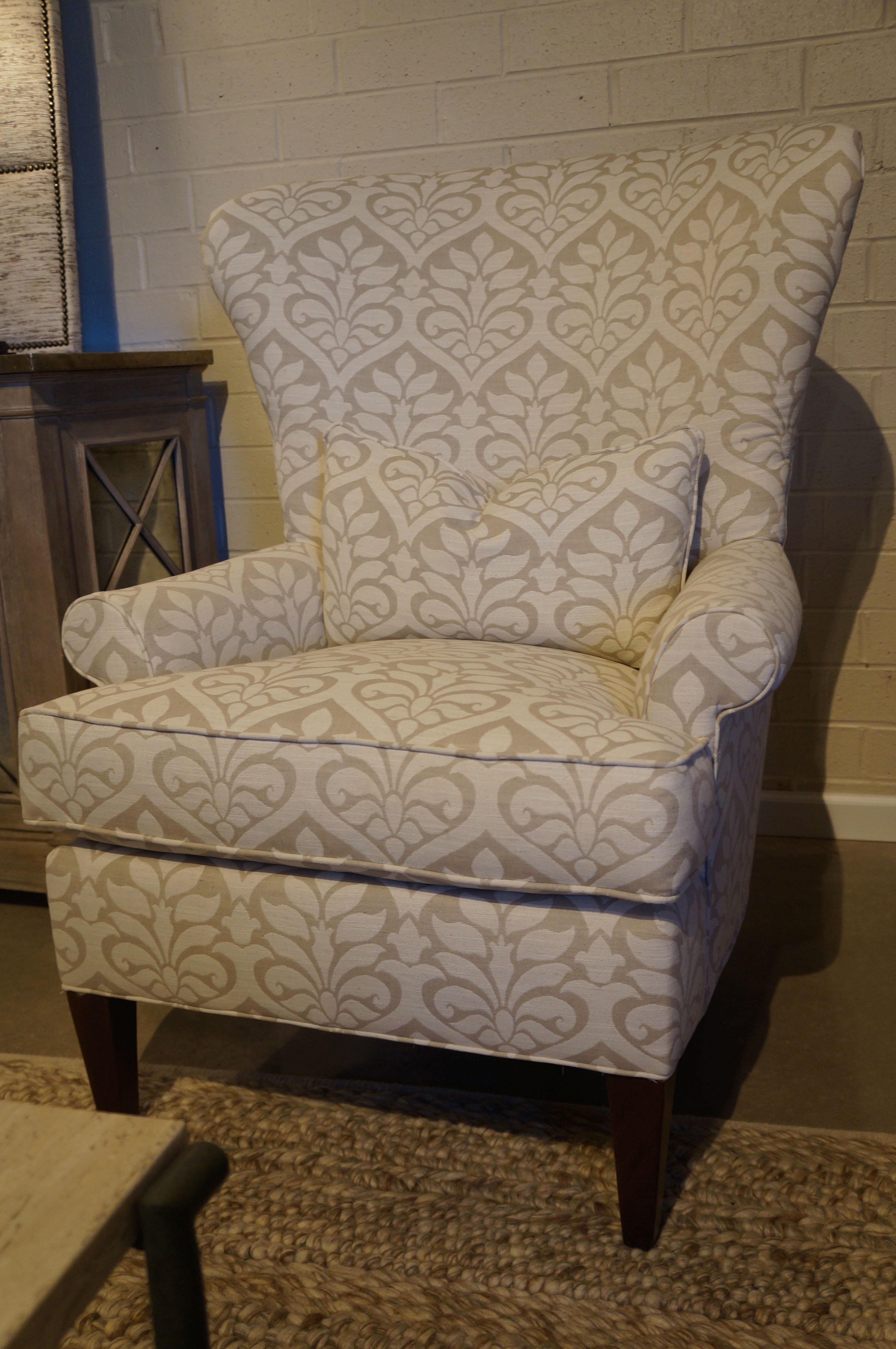Check out the casual and classic pattern on this Huntington House