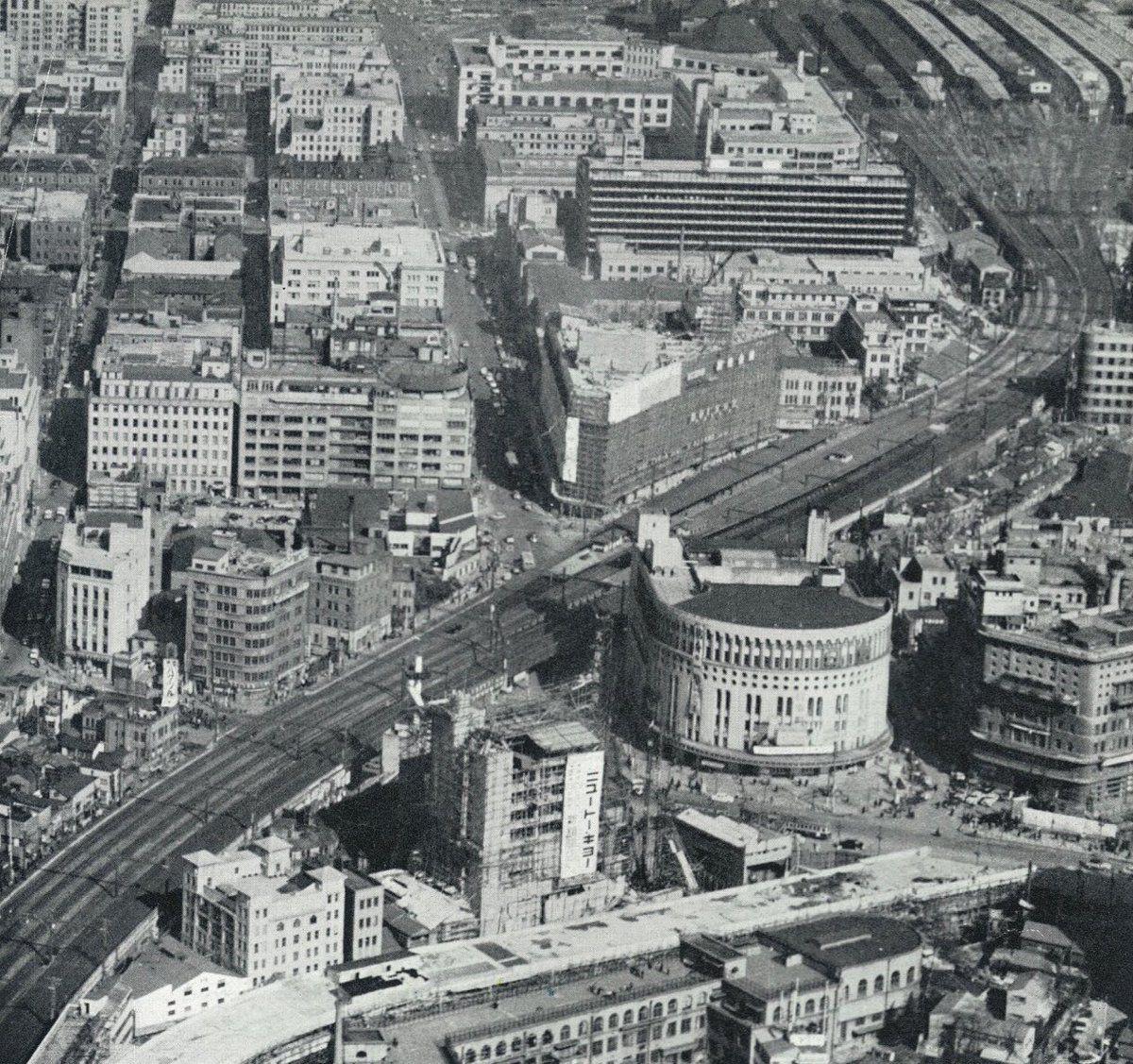 昭和32(1957)年の日比谷上空から見た丸の内有楽町一帯、同じく『国際 ...