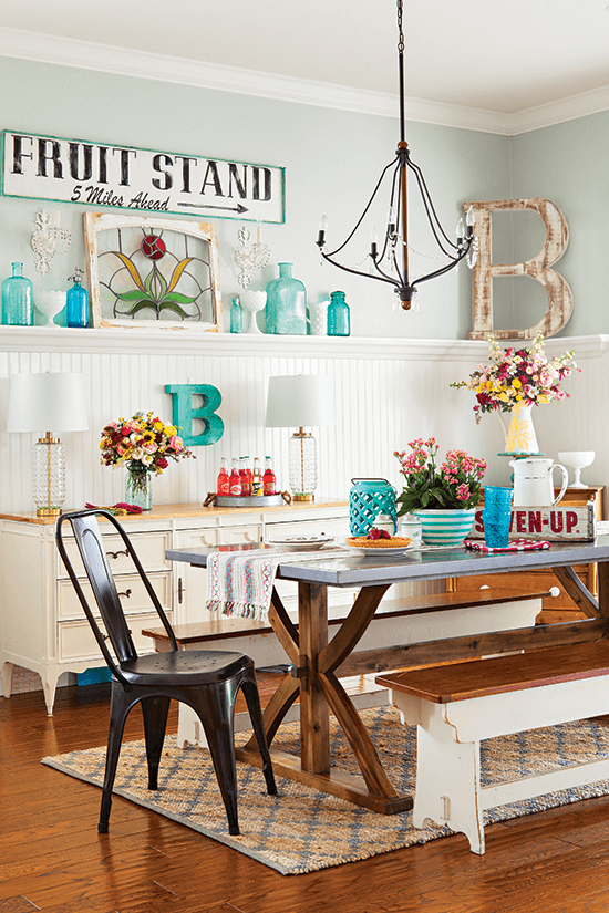 Cozy Colorful A Home Story Click Here To Read More Cottagesandbungalows Color Vintage R Cottage Style Decor Vintage Cottage Decor Cottage Dining Rooms