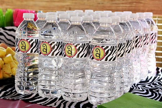 cool zoo birthday party ideas Water bottles with zebra print