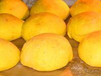 Photo of airy pumpkin buns