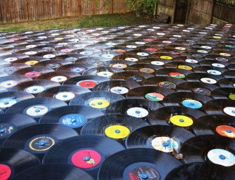 Nashville Musician Shingles His Roof With Records Record Crafts Old Records Record Albums Art