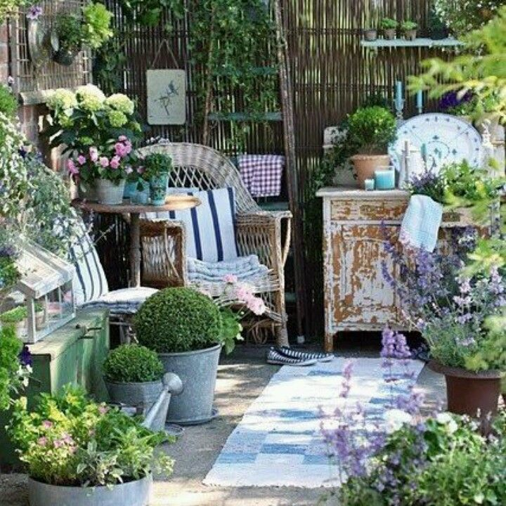 17 Lively Shabby Chic Garden Designs That Will Relax And: Pin By Debbie Collins On Outdoor Living