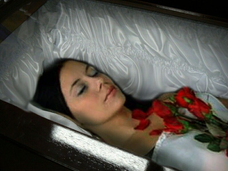 Necrobabes Postmortem: Pretty People In Casket Dead Pictures To Pin On Pinterest