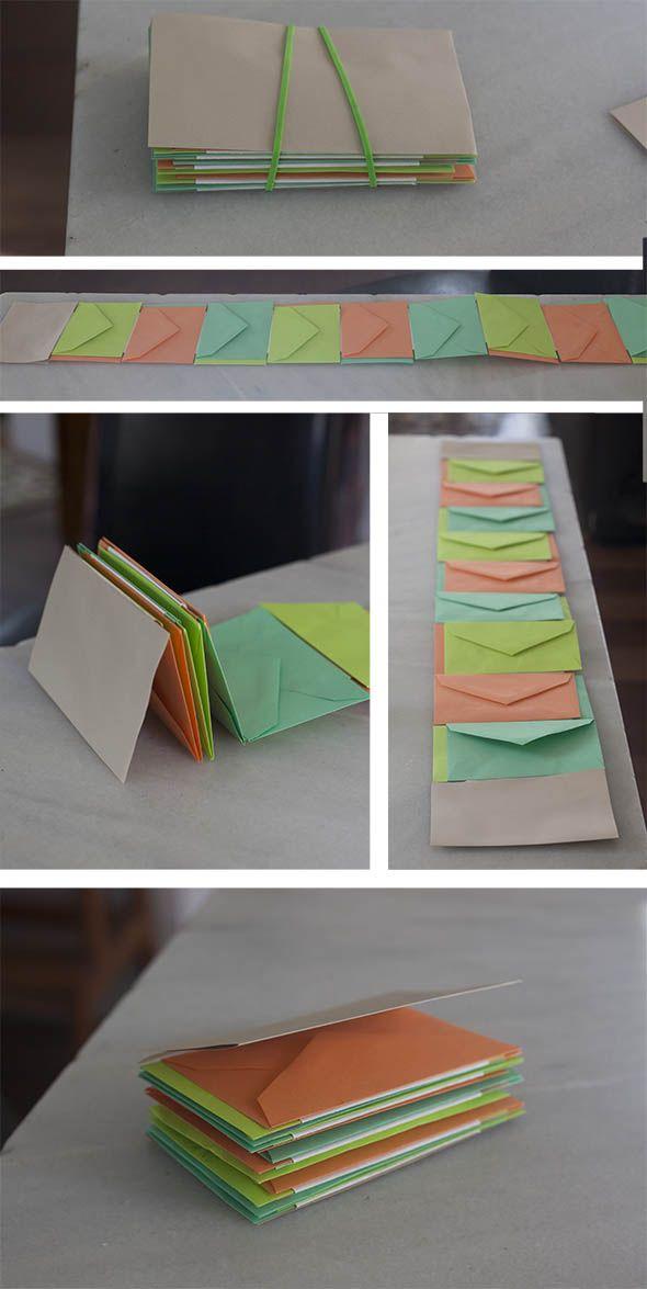 Por fin el libro de las semillas, mas profesional que en este post. Hemos pegado tiras de Papel entre los sobres y los sobres...