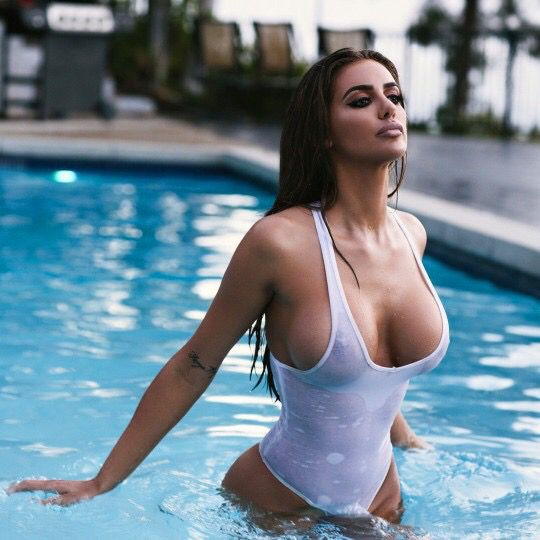 Holly marie combs nude real