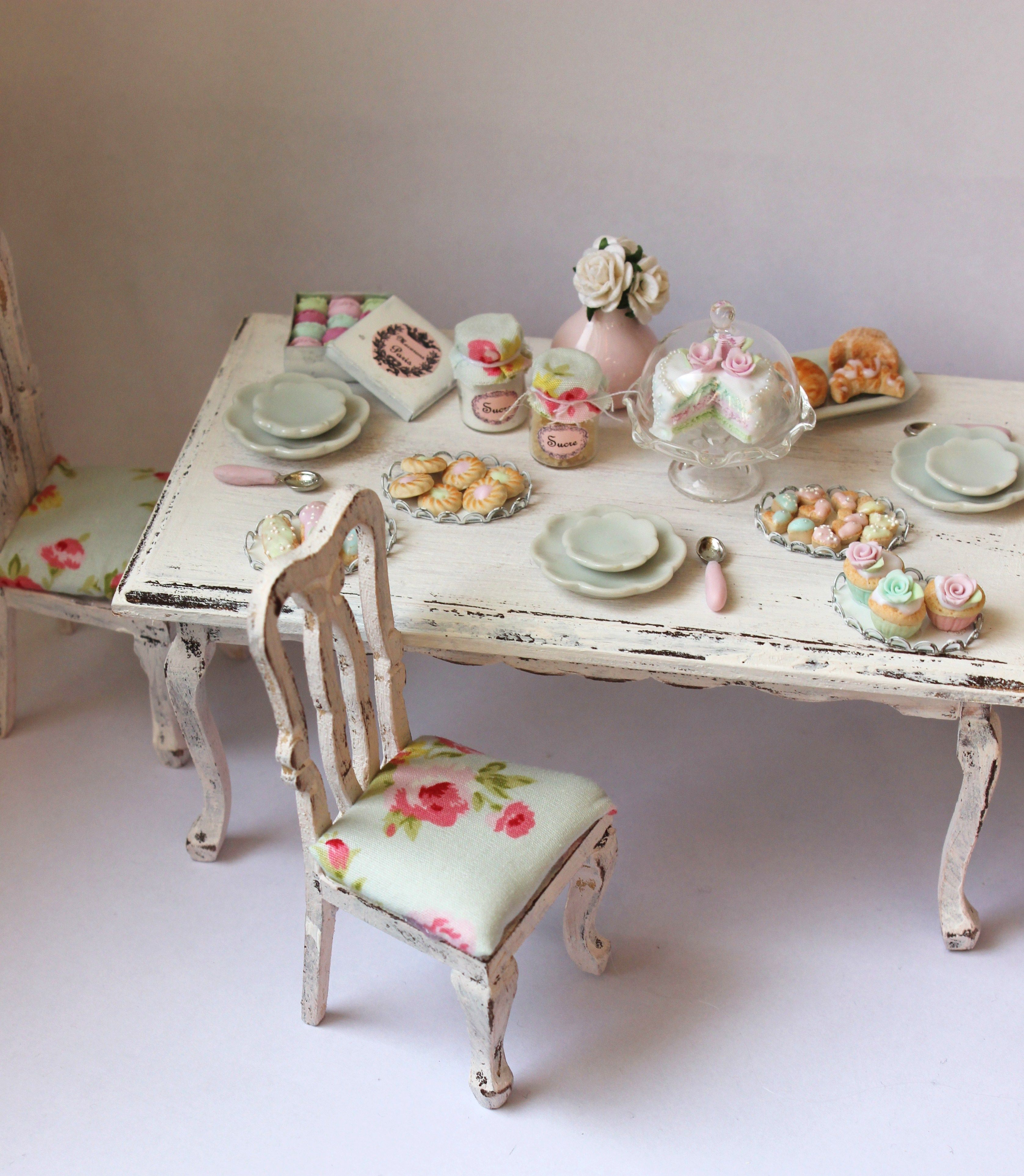 Shabby chic dollhouse table with chairs