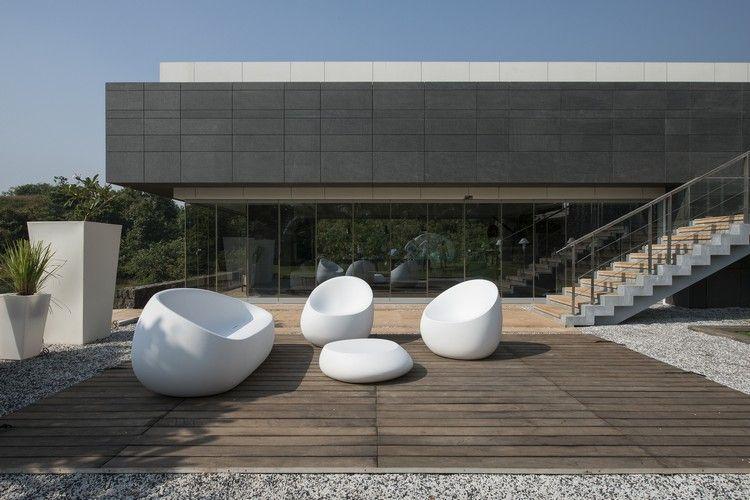 Outdoor Mobel Modern ~ Terrasse holzdeck weiße outdoor möbel modern traumhäuser