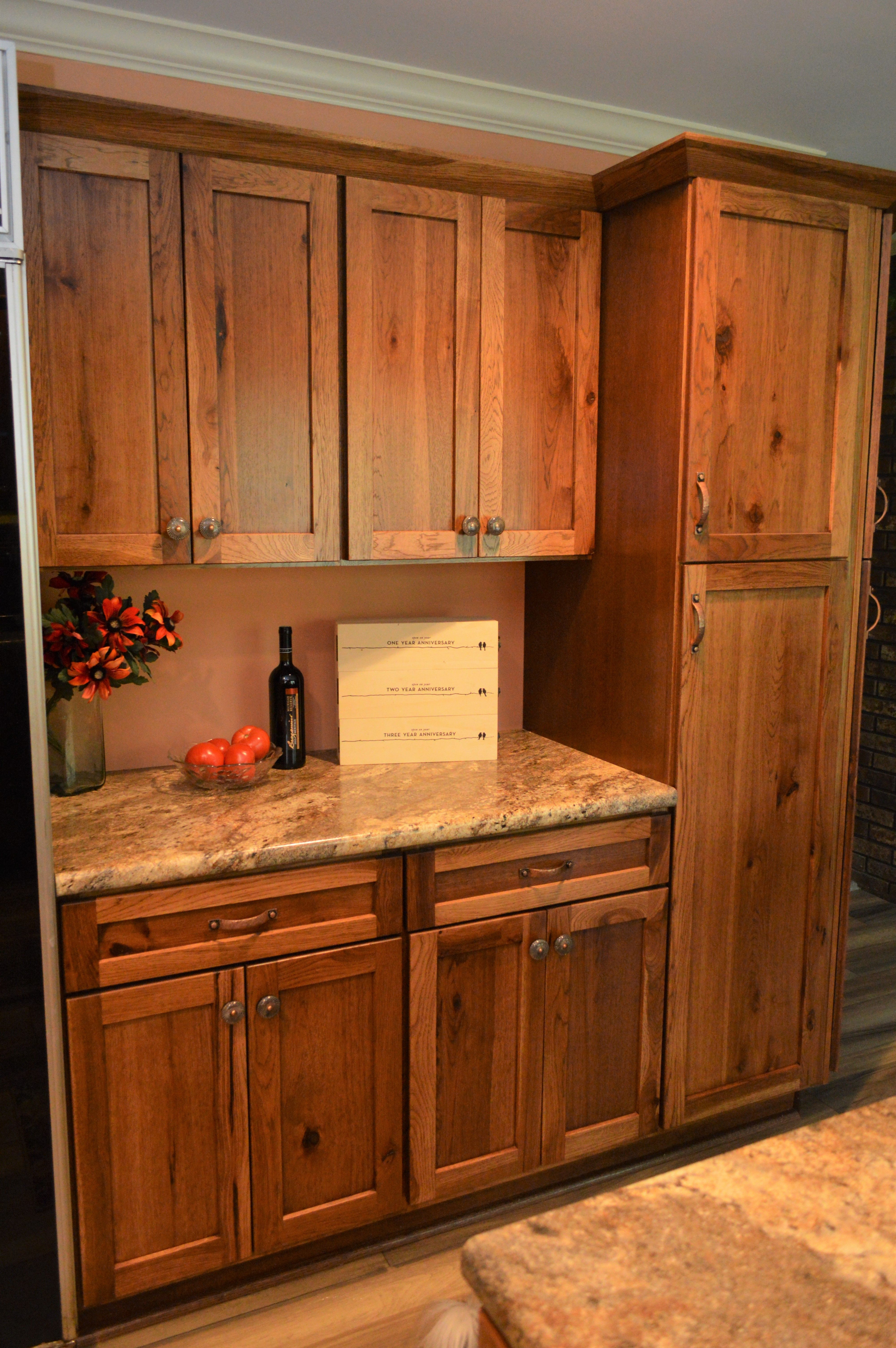 Haas Signature Collection Rustic Hickory Wood Species Pecan Finish Shakertown V Door Style Wood Kitchen Rustic Kitchen Cabinets Rustic Kitchen
