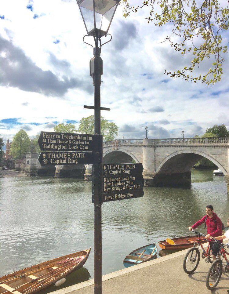 Thames River Boat To Kew Gardens