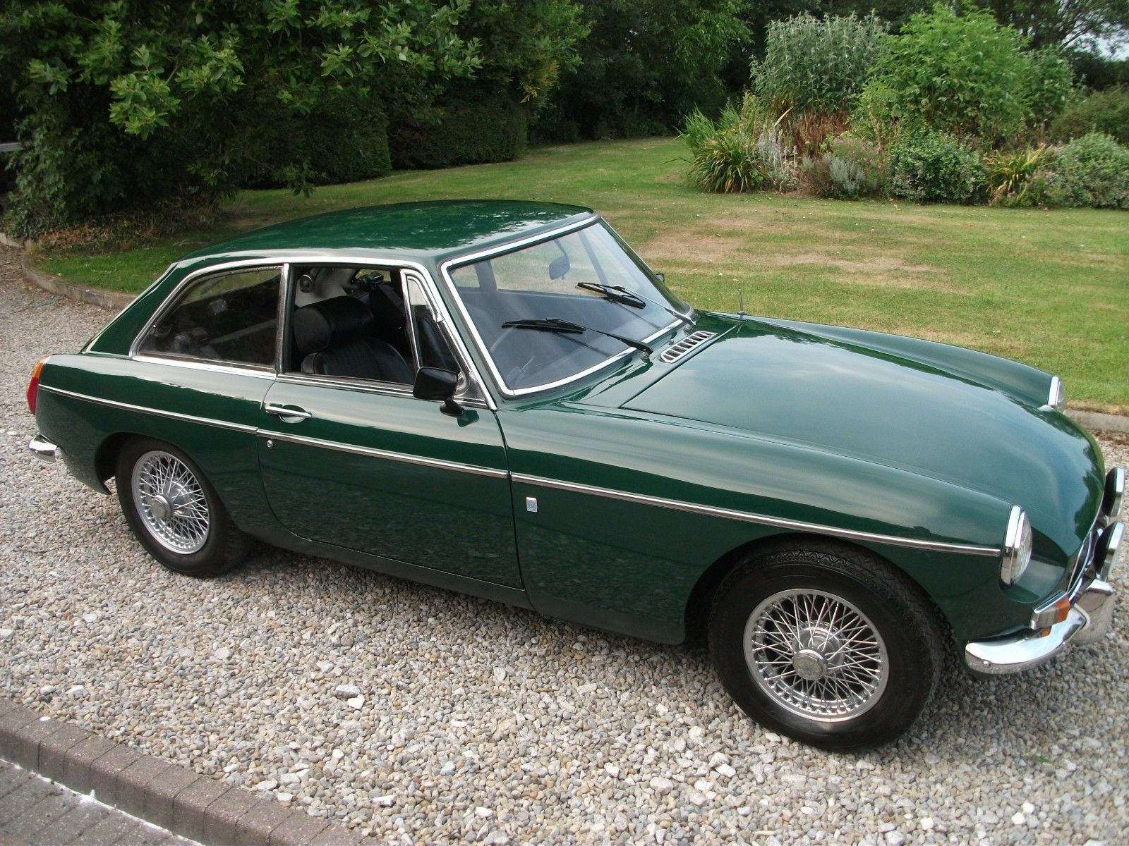 ebay mgb gt 1970 wire wheels chrome bumpers mot tax exempt british racing green classicmg. Black Bedroom Furniture Sets. Home Design Ideas