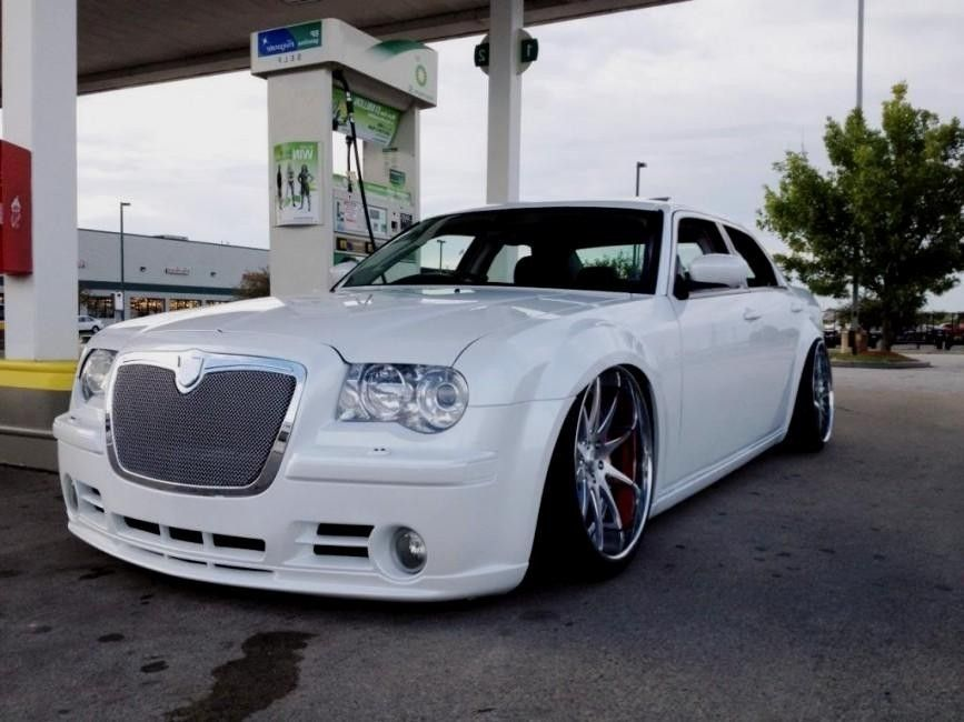 for sale fully custom 2005 300c ag stoptech srt8 pearl white chrysler 300 pinterest. Black Bedroom Furniture Sets. Home Design Ideas