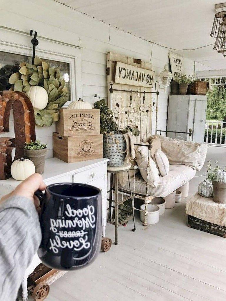 54+ Marvelous Vintage Farmhouse Porch Decorating Ideas on A ...