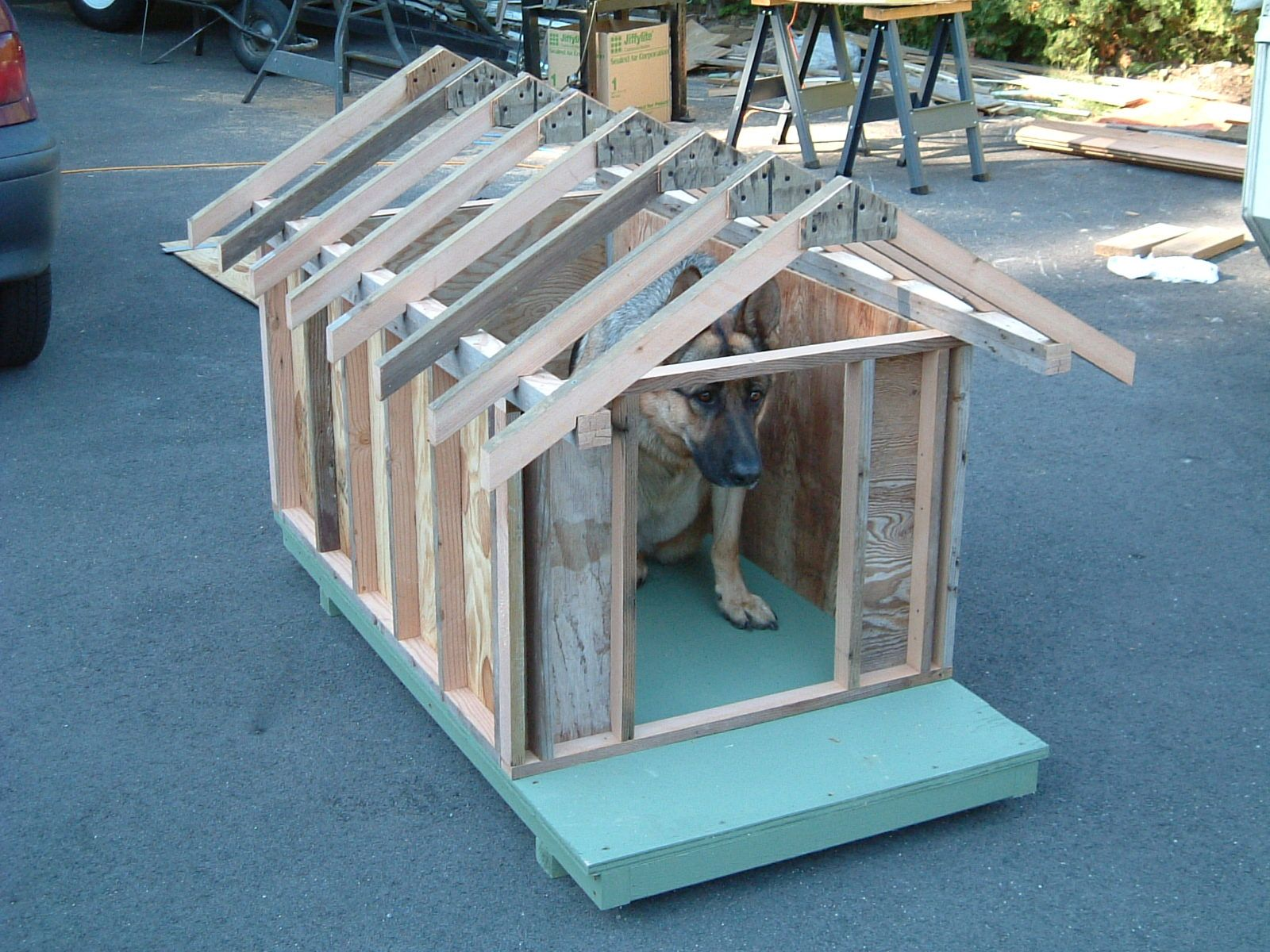 Dog House Plans Trying It Out For Size Pallet Dog House Large
